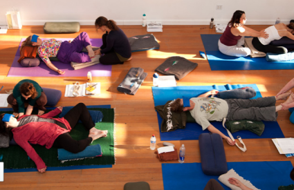 Izobraževanje iz terapevtske joge v Ameriki